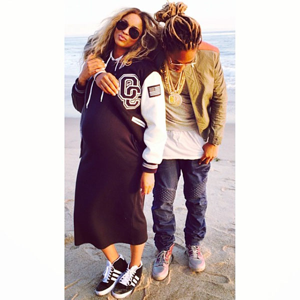 Ciara-shows-off-baby-belly-with-Future