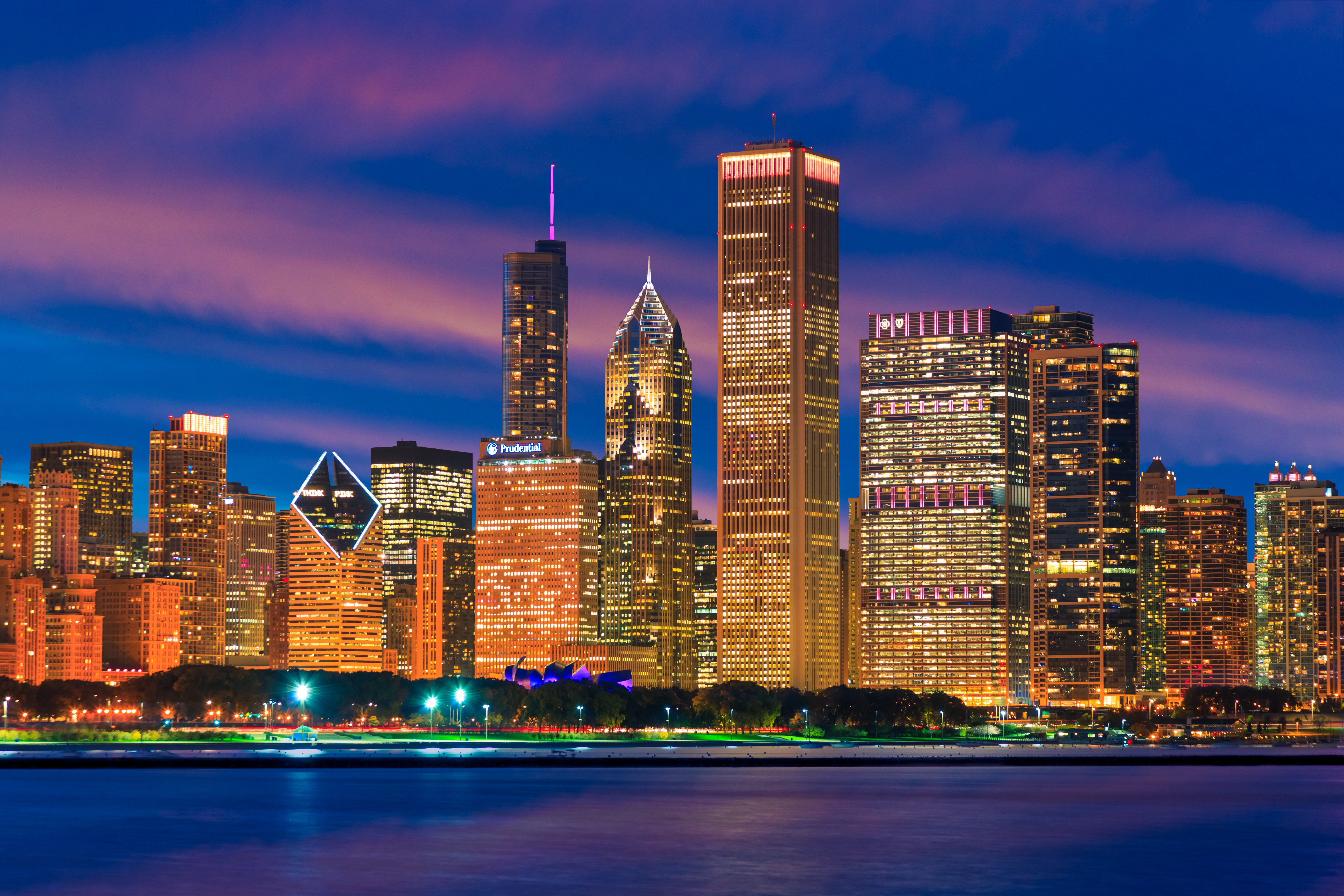 Skyscrapers of Chicago skyline at sunset,Lake Michigan,Illinois