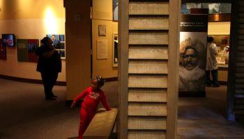 NA-MUSEUM Baltimore, MD 11/29/05 The Reginald F. Lewis Museu