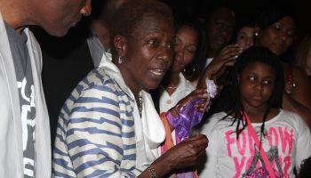 Afeni Shakur Visits 'Holler If Ya Hear Me' On Tupac's 43rd Birthday